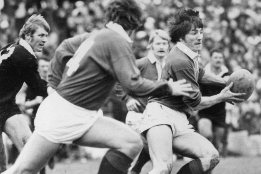 Andy Irvine - World Rugby Hall of Fame, One of the finest attacking full-backs of all-time , 51 caps for Scotland, 1974, 1977, 1980 British and Irish Lions.